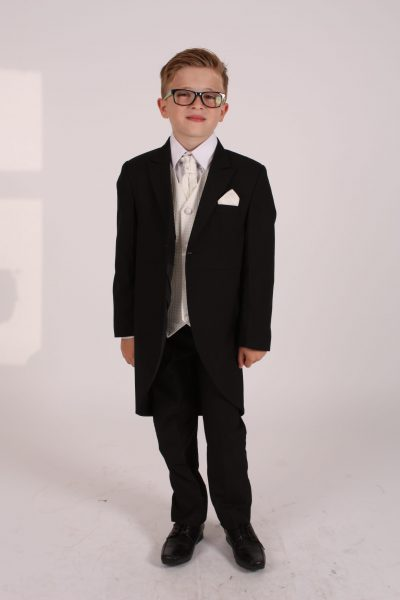 5 piece black/ cream diamond tailcoat -0
