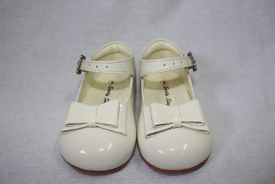 Girls Patent Cream Shoe With Bow-0