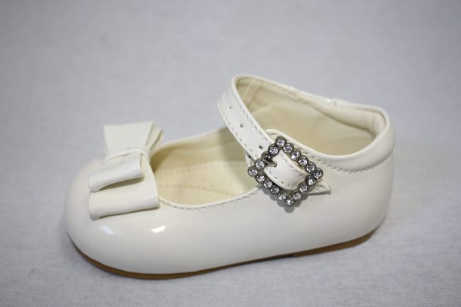 Girls Patent White Shoe With Bow-1590