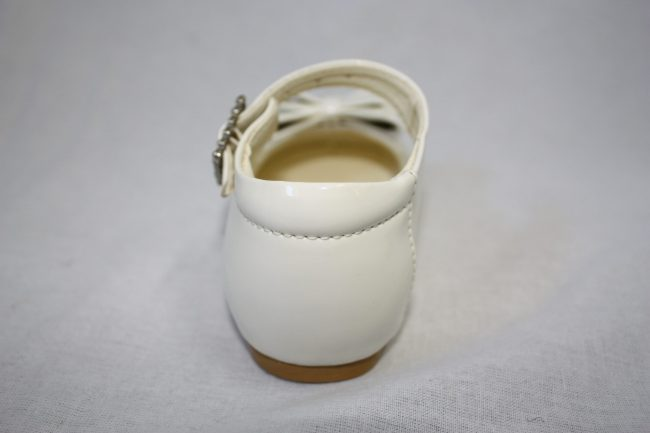 Girls Patent White Shoe With Bow-1589